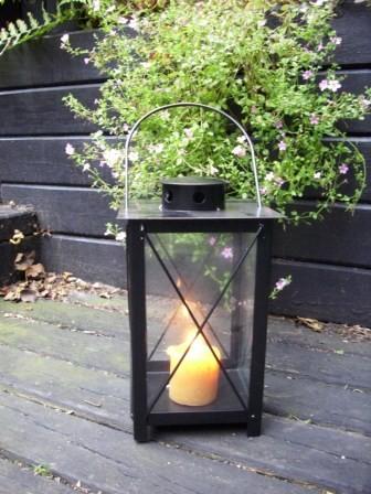 stabile stalllaterne schwarz laterne gartenlaterne metall metalllaterne ebay. Black Bedroom Furniture Sets. Home Design Ideas