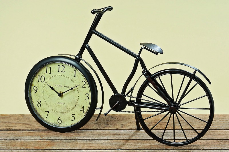 kaminuhr fahrrad l nge 50cm aus metall standuhr uhr gro uhr ebay. Black Bedroom Furniture Sets. Home Design Ideas